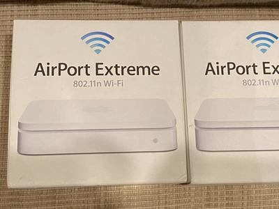 Apple Airport Extreme WiFi Router Base Station