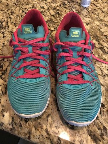 🎈Nike Fury 2 Girls Running Shoes Size 5Y 🛎 for sale in Ogden , UT