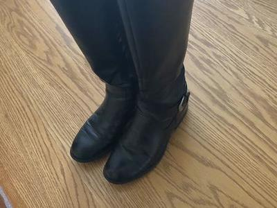 👢 Women's low heeled boots 👢 Size 8.5