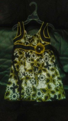 Beautiful Girls Dress size 6 for sale in Fruit Heights , UT