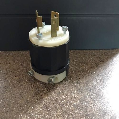 2 Pole 3 Wire Grounding Locking Plug for sale in Cottonwood Heights , UT