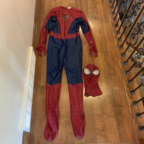 Adult Deluxe Spiderman Costume Size XL  for sale in Herriman , UT