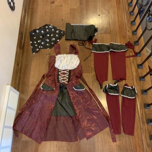 Adult Womens Pirate Costume Size Small for sale in Herriman , UT