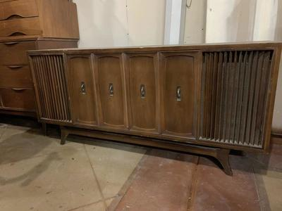 1967 Zenith X940 Stereo Console Cabinet