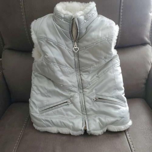 Adorable winter vest Girls S  5/6  5.00 for sale in Roy , UT