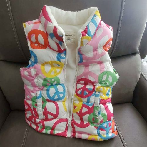Adorable Peace sign vest Girls size 6/7 for sale in Roy , UT