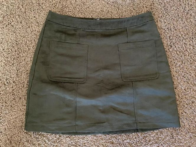 Old Navy Mini-Skirt, Suede, Sz 10 for sale in Roy , UT