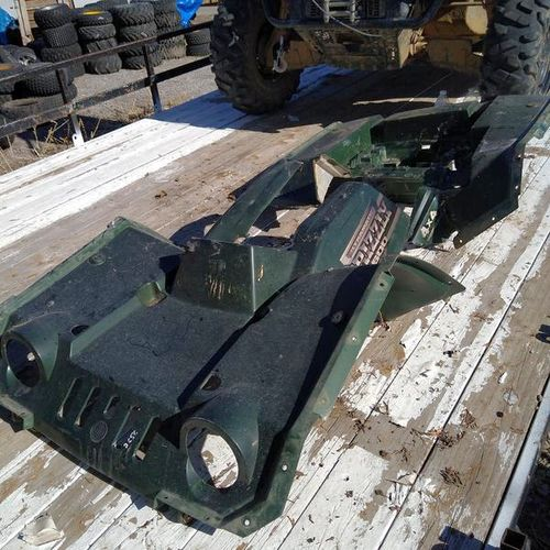 Yamaha grizzly 600 fenders plastics for sale in Springville , UT