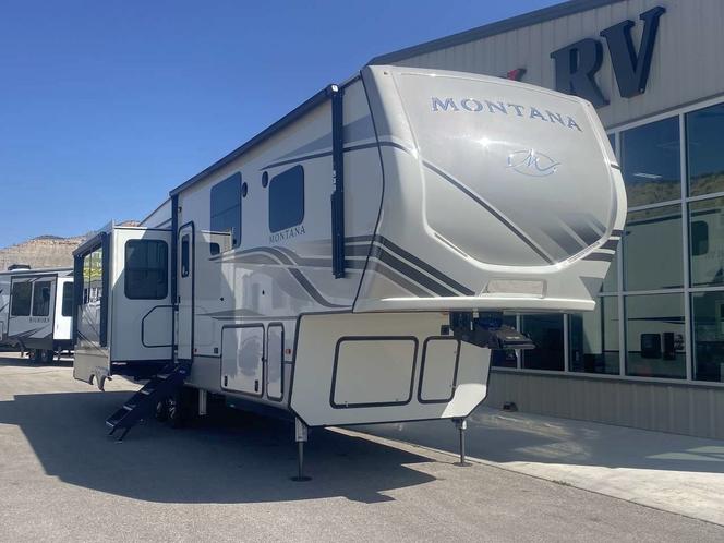 NEW 2022 KEYSTONE MONTANA 3231CK - RV FRIDGE for sale in Helper , UT