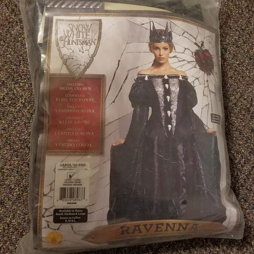 Snow White and the Huntsman Costume Size L for sale in Bluffdale , UT
