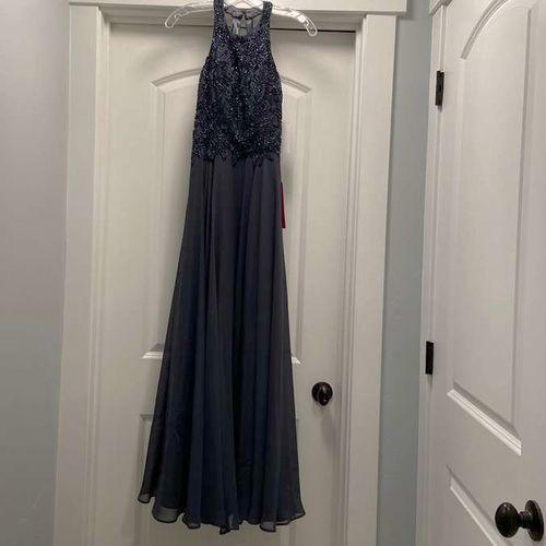 Prom Dress Size 2 BRAND NEW for sale in Riverton , UT