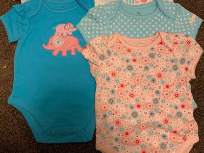 Baby girl onesies set a five