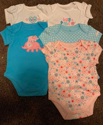 Baby girl onesies set a five for sale in Stockton , UT