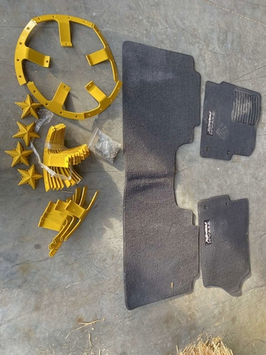Floor mats and wheel covering rings. for sale in Perry , UT