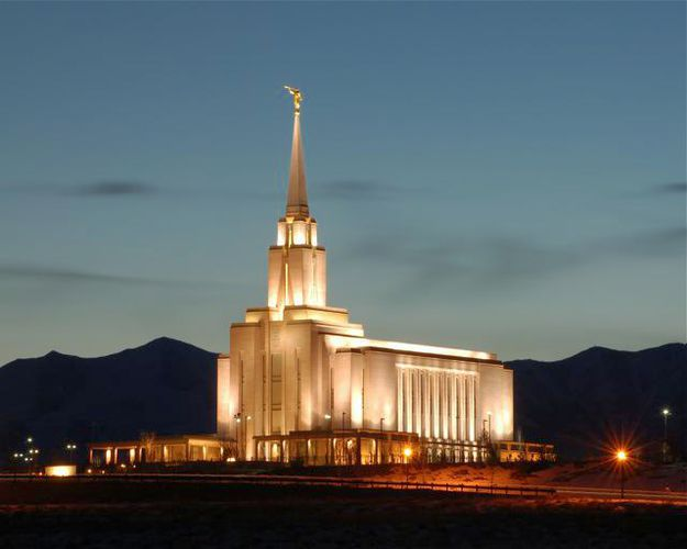 Temple Photos (8x10 photo in an 11x14 mat) for sale in Riverton , UT