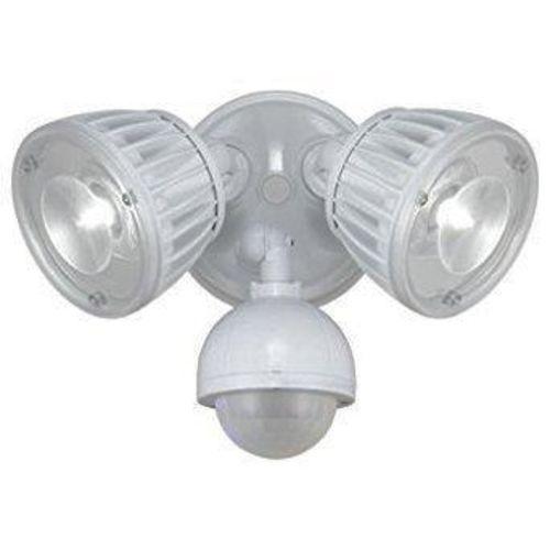 NEW LED DUSK TO DAWN SECURITY LIGHT for sale in North Ogden , UT