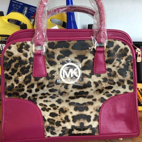 Purse for sale in Wellsville , UT
