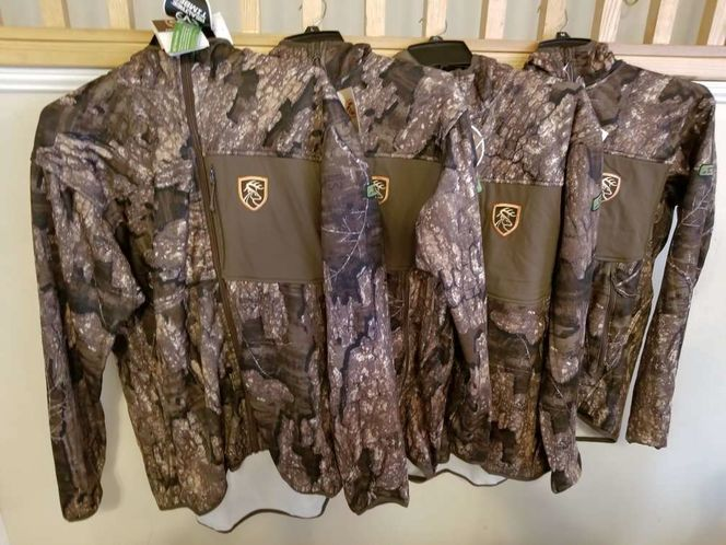 Brand new realtree timber scent control jackets for sale in West Jordan , UT