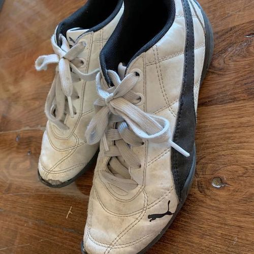 Kids Puma Shoes Size 4 for sale in Riverton , UT