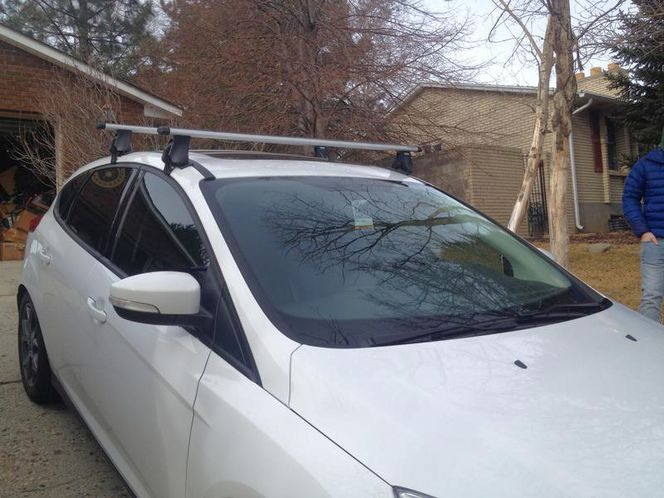 Thule Roof Rack with Aero Bars or standard square for sale in Sandy , UT