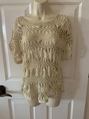 Boho Style Knit Top Size Medium for sale in Herriman , UT