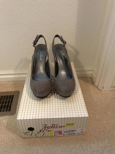 Closed toe gray high heel shoes for sale in Orem , UT