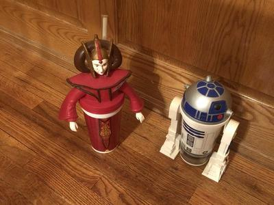 "Star Wars ""cup"" character figurines"