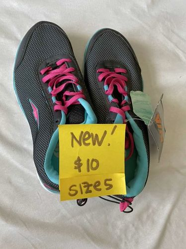 New Blue /black Tennis Shoes Size 5 for sale in South Weber , UT