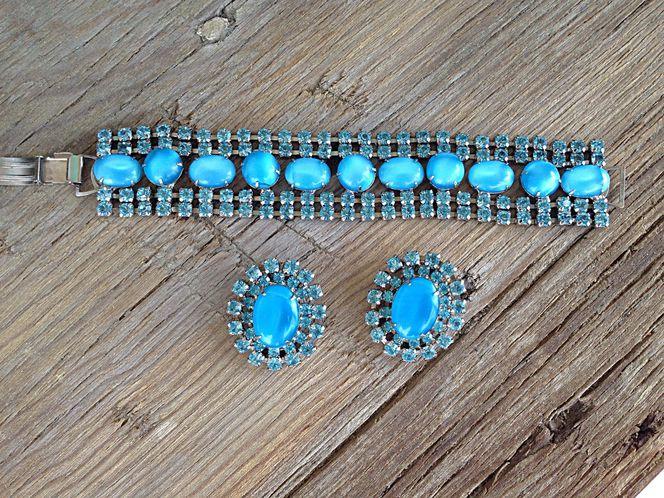Vintage Aquamarine Rhinestone Earrings and Bracelet Matching Set for sale in West Valley City , UT