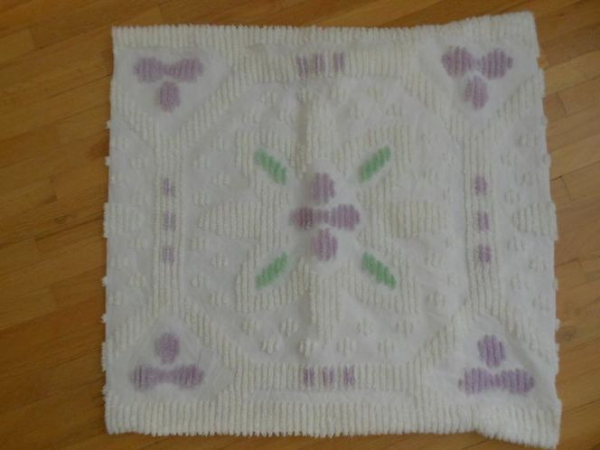 Vintage Chenille Pillow Case for sale in West Valley City , UT