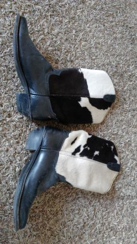 Cowhide? Western cowboy boots fits slim for sale in Saratoga Springs , UT