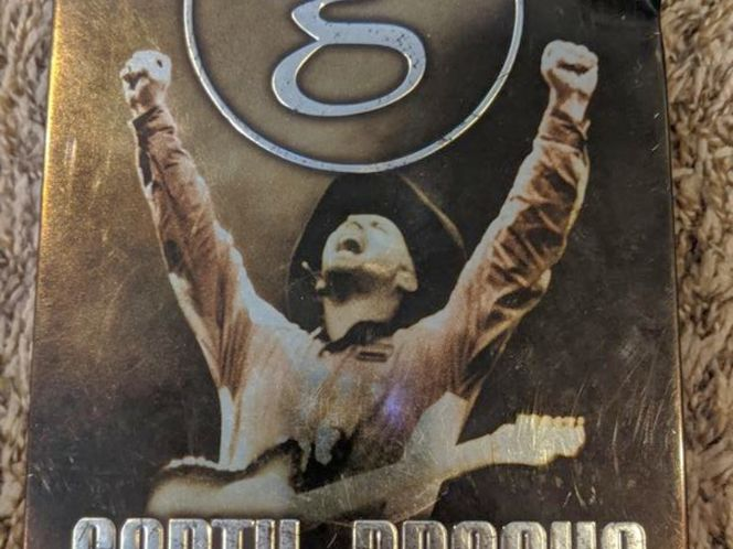 Garth Brooks The Entertainer DVD, 2018, 5-Disc cd tin for sale in Saratoga Springs , UT