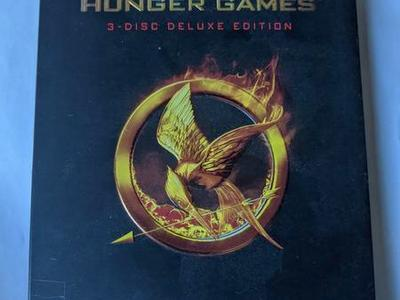 THE HUNGER GAMES - DELUXE EDITION 3-DISC DVD MOVIE