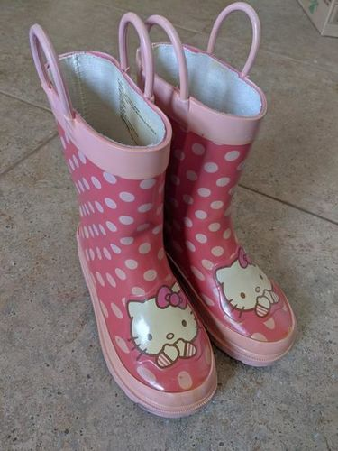 Hello Kitty Pink Rain Boots Sz 9/10 girls for sale in Saratoga Springs , UT