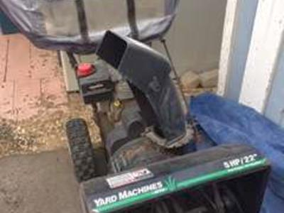 "5HP ""Yard Machine"" double stage Snowblower, with shield"