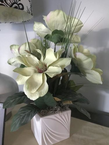 Like new!  Decorative fake plants, flowers for sale in West Jordan , UT
