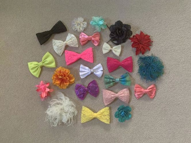 Lot Of 22 Various Hair Bows And Accessories for sale in South Jordan , UT