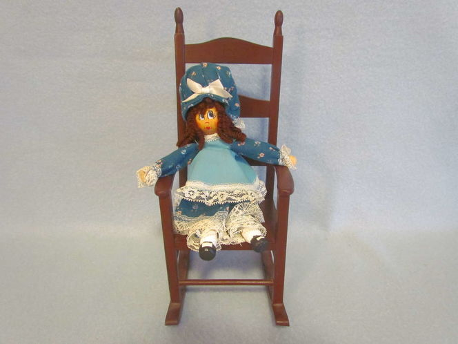 """OOAK Edith Ann Lily Tomlin 8 ½"""" Clothes Pin Doll w/Wooden Doll in Rocking Chair for sale in Tooele , UT"""