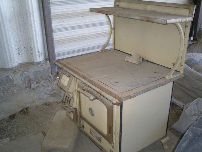 Majestic DE-18-1 wood/coal cook stove for sale in Price , UT