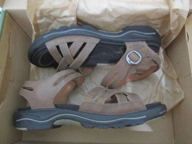 New KEEN Women's Rialto II Naples sandals size 5M for sale in Lehi , UT