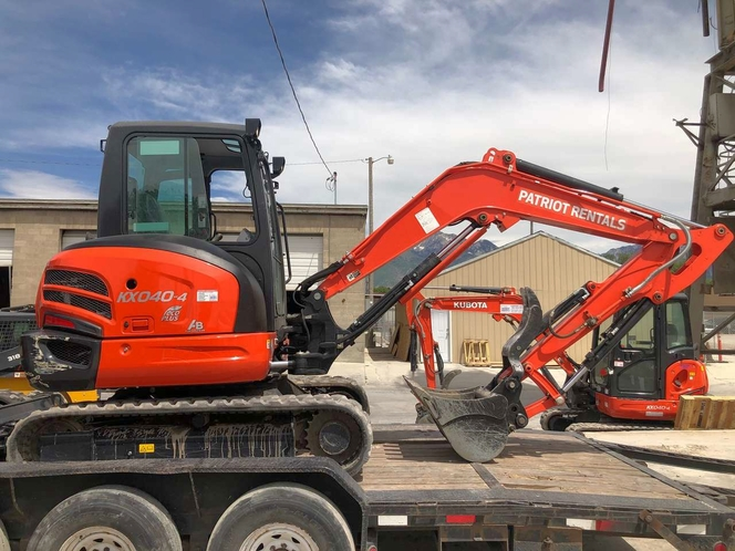 2021 Kubota KX-040 Mini Excavator Rental with Thumb for rewnt. POWERFUL and ENCLOSED CAB! for sale in Ogden , UT