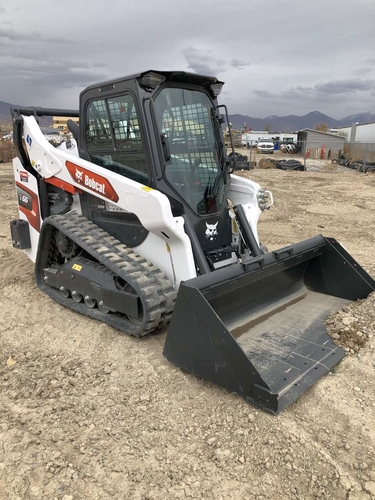 Bobcat track skid steer loader for rent. Incredible 2021 model, hand controls, nice for sale in Pleasant Grove , UT