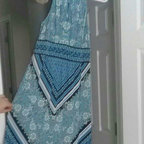 Long Sleeveless summer dress. Size 8 for sale in Salt Lake City , UT