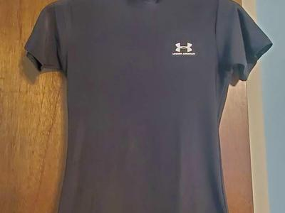 Under Armour Black Short Sleeve Size Youth LG