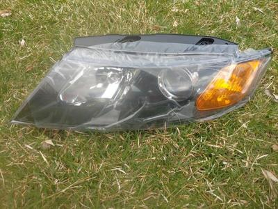 2010 Kia optima drivers headlight