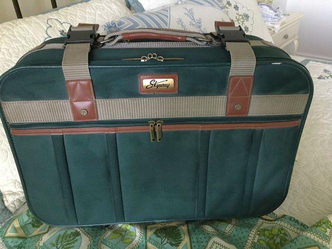 Skyway carry on bag for sale in Cedar Hills , UT