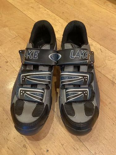 Women's 7-7.5 Lake Mountain Cycling Shoes for sale in riverton , UT