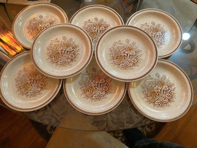 """Set Of 8 6.5"""" Plates Churchill Stonecast Range New for sale in Springville , UT"""