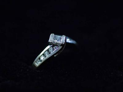 14k White Gold Diamond Engagement Ring Size 5