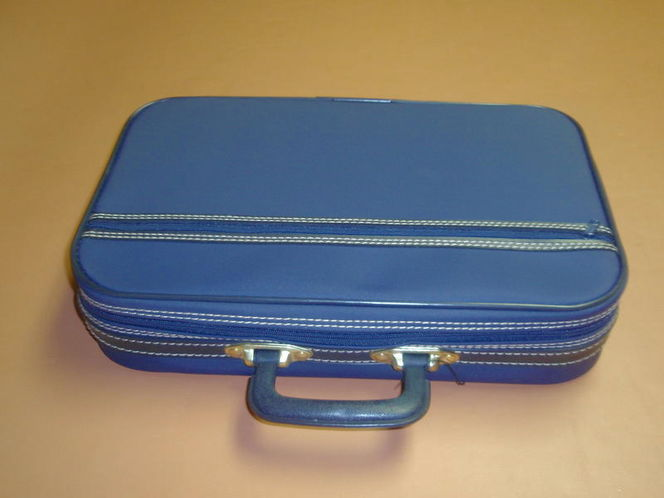 Suitcase Small 16x10x3 1/2 inches for sale in Murray , UT
